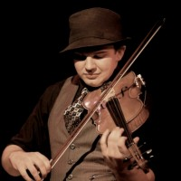 The Modern Violinist - Solo Musicians in Superior, Wisconsin
