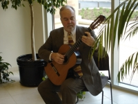 Terry Muska, Classical Guitarist - Viola Player in Seguin, Texas