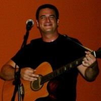 Tom Mullen - Singing Guitarist in St Petersburg, Florida