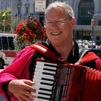 Tom Torriglia - World Music in Redwood City, California