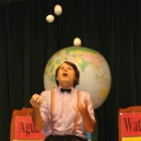 TomFoolery - Juggler in West Memphis, Arkansas