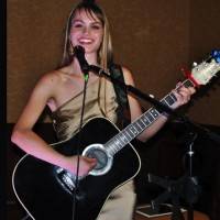 Tory Tompkins - Singing Guitarist in Houston, Texas