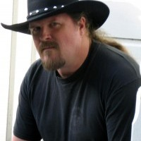 Trace Adkins-Travis Tritt impersonator - Guitarist in Madera, California
