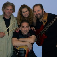 VIKKI and The Hitz - Classic Rock Band in Hagerstown, Maryland