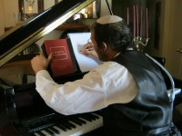 Yerachmiel Avraham Sings - Jazz Pianist in San Bernardino, California