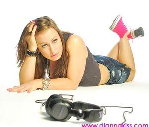 Anna_kiss_press_shots_20100428_103292977