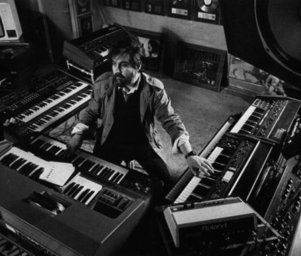 Vangelis_in_studio