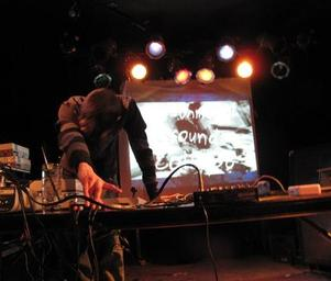 Environmental_sound_collapse_live_beat_kitchen_chicago_no