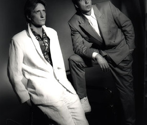 The_twins_twins_suits_big