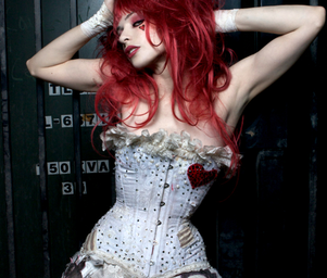 Emilie_autumn_png_version