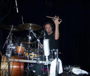 Frank_klepacki_drummin