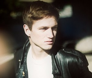 Adrian_lux_01