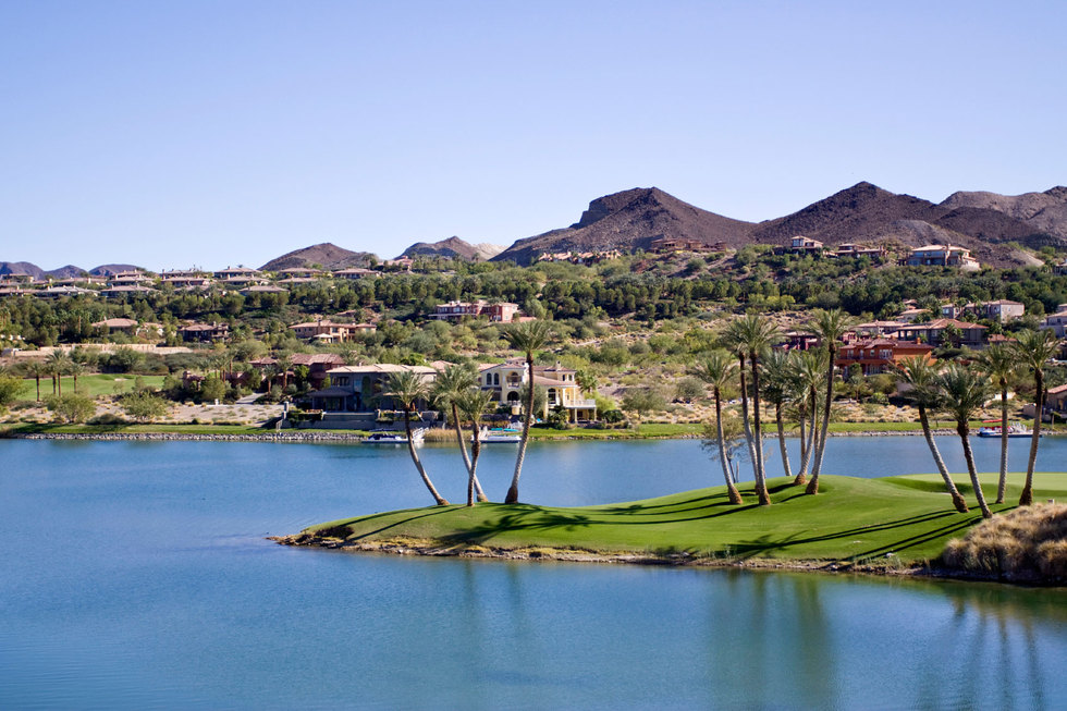 Community-on-lake-las-vegas