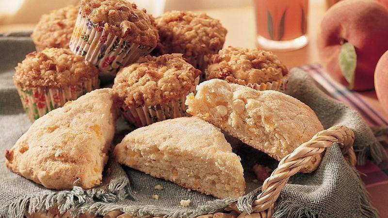 Praline-Peach Muffins
