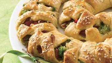 Broccoli-Bacon Crescent Spiral