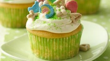 Lucky Charms® Cupcakes