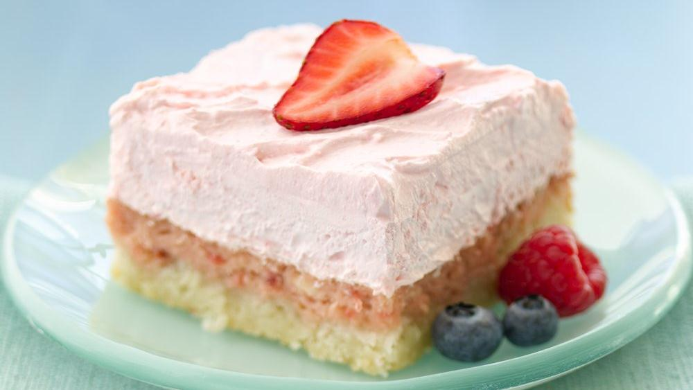 Easy Strawberry Cream Dessert Squares