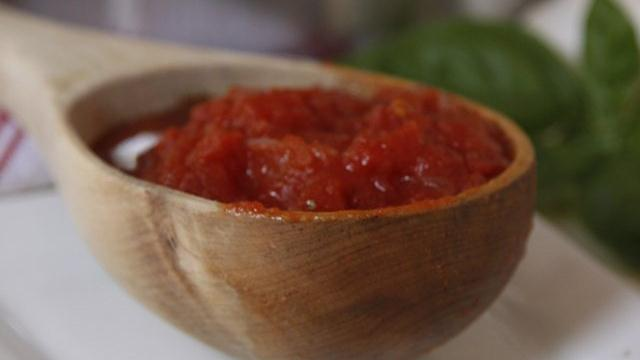 Five-Minute Five-Ingredient Pizza Sauce