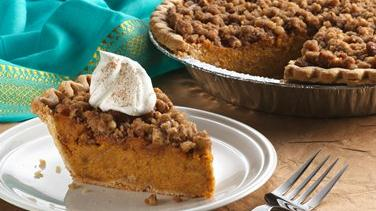 Cinnamon Streusel Sweet Potato Pie