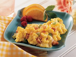 0729833b 7545 472b 8ed7 4e914f7aeb89 - Ham and Vegetable Scrambled Eggs