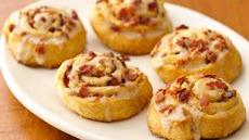 Maple-Bacon Breakfast Rolls Recipe