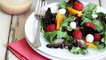 Spring Mix Salad with Raspberries