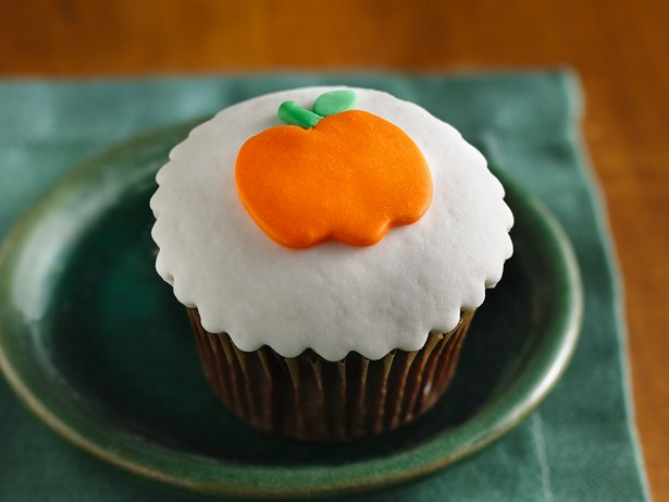 Orange-Filled Chocolate Cupcakes with Fondant