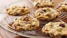 Yummy Cranberry-Walnut White Chocolate Cookies Recipe