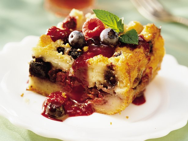 White Chocolate-Berry Bread Pudding recipe from Betty Crocker