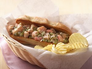 New&#32;England-Style&#32;Shrimp&#32;Rolls&#32;with&#32;Lemon-Herb&#32;Mayonnaise