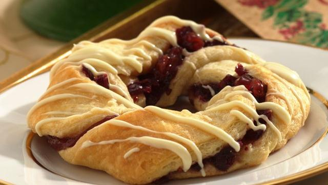 Crescent Cranberry Wreaths