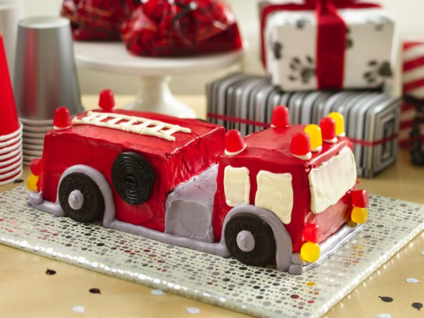 Fire Truck Cake Design : Fire Engine Cake