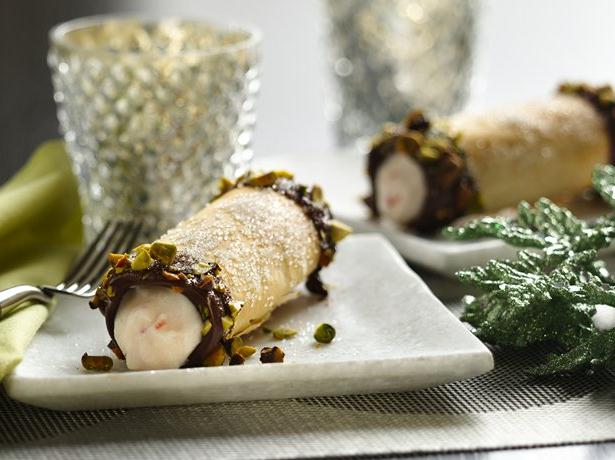 Holiday Yogurt Cannoli