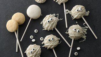 Mini Mummy Cookie Pops