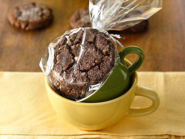 Chocolate Toffee Crinkle Cookies
