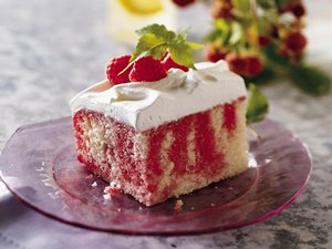 Raspberry&#32;Poke&#32;Cake