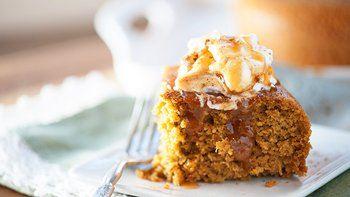 Slow Cooker Pumpkin Cake with Caramel Sauce