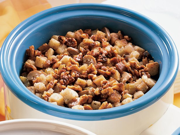 Slow Cooker Apple-Walnut Stuffing