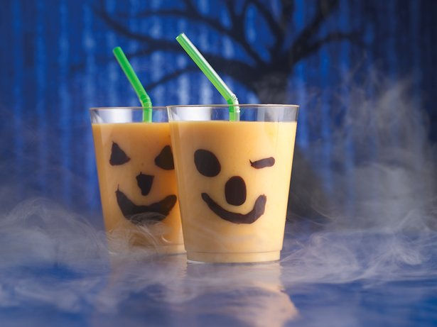 Chilling Jack-o-Lantern Smoothies