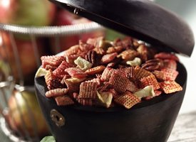 Image of Apple-cinnamon Snack Mix, Betty Crocker