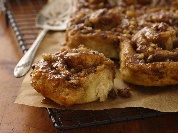 Overnight Caramel Apple Rolls recipe from Betty Crocker