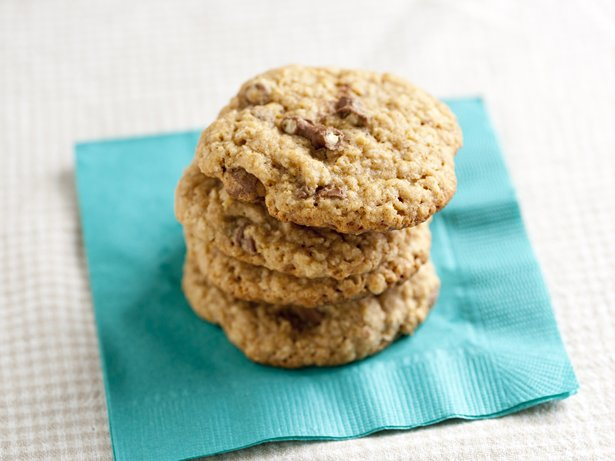 Oatmeal-Chocolate Pretzel Cookies
