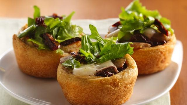 Mushroom-Mozzarella Appetizer Cups
