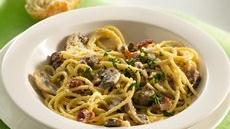 Ground Beef and Mushroom Carbonara Recipe