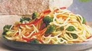 Udon Noodles with Broccoli and Peppers