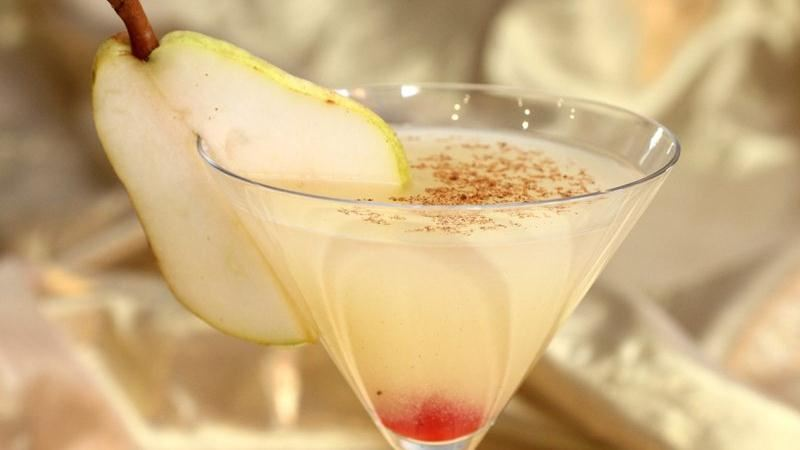 Elegant Spiced Pear Martini