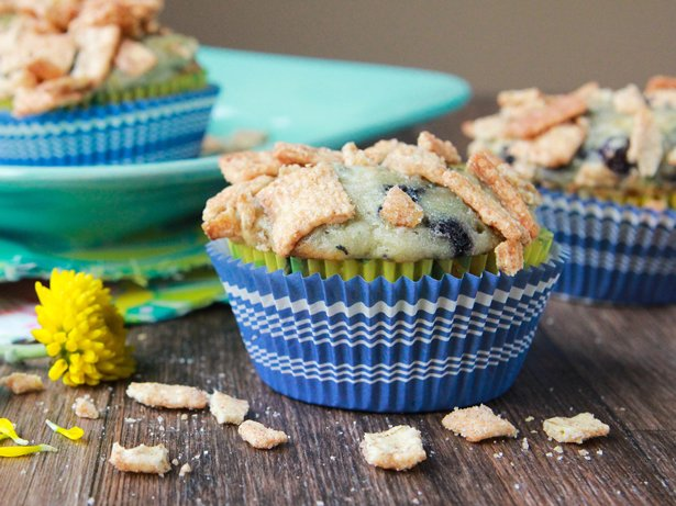 Zucchini-Blueberry Muffins with Cinnamon Toast Crunch Streusel