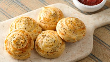 Cheesy Pinwheels with Italian Dip