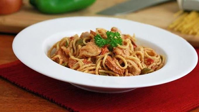 Slow Cooker Cajun Chicken Spaghetti