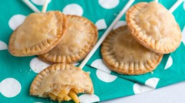 Macaroni and Cheese Pie Pops